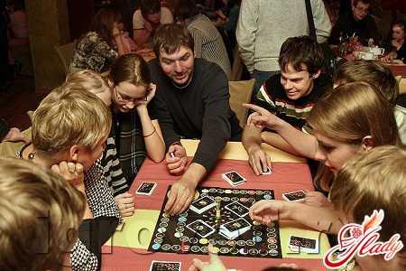Игры для компании: развлекай друзей в праздник