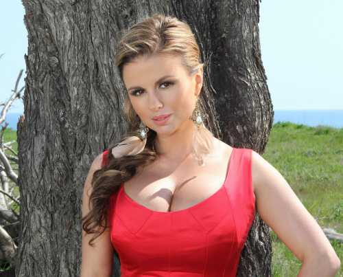 Анна Семенович станет матерью