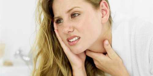 Теплый или холодный пар из увлажнителя сможет успокоить ваше горло