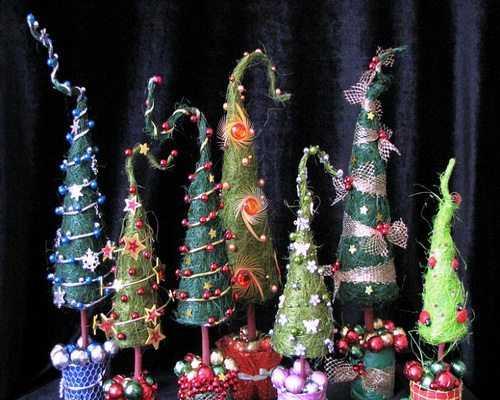 Варианты новогодних елок или чем украсить дом